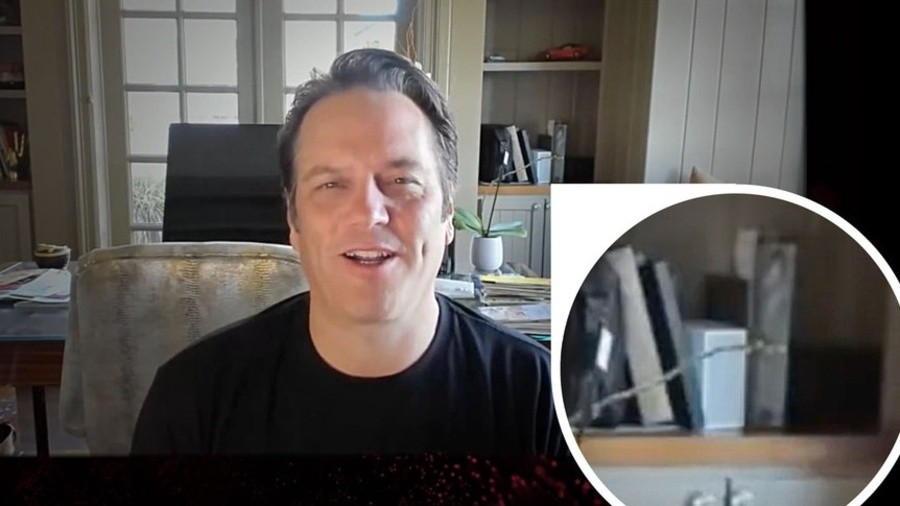 Phil Spencer with the Xbox Series S
