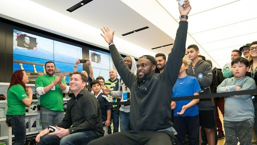 Ssss Xbox One X Launch Bellevue Cliff Avril (1)