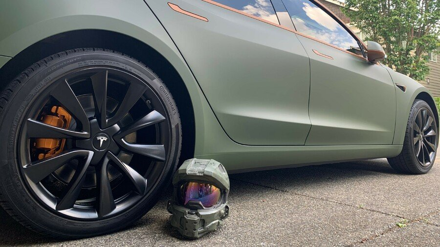 Random: Check Out This Awesome Halo-Themed Tesla Model 3